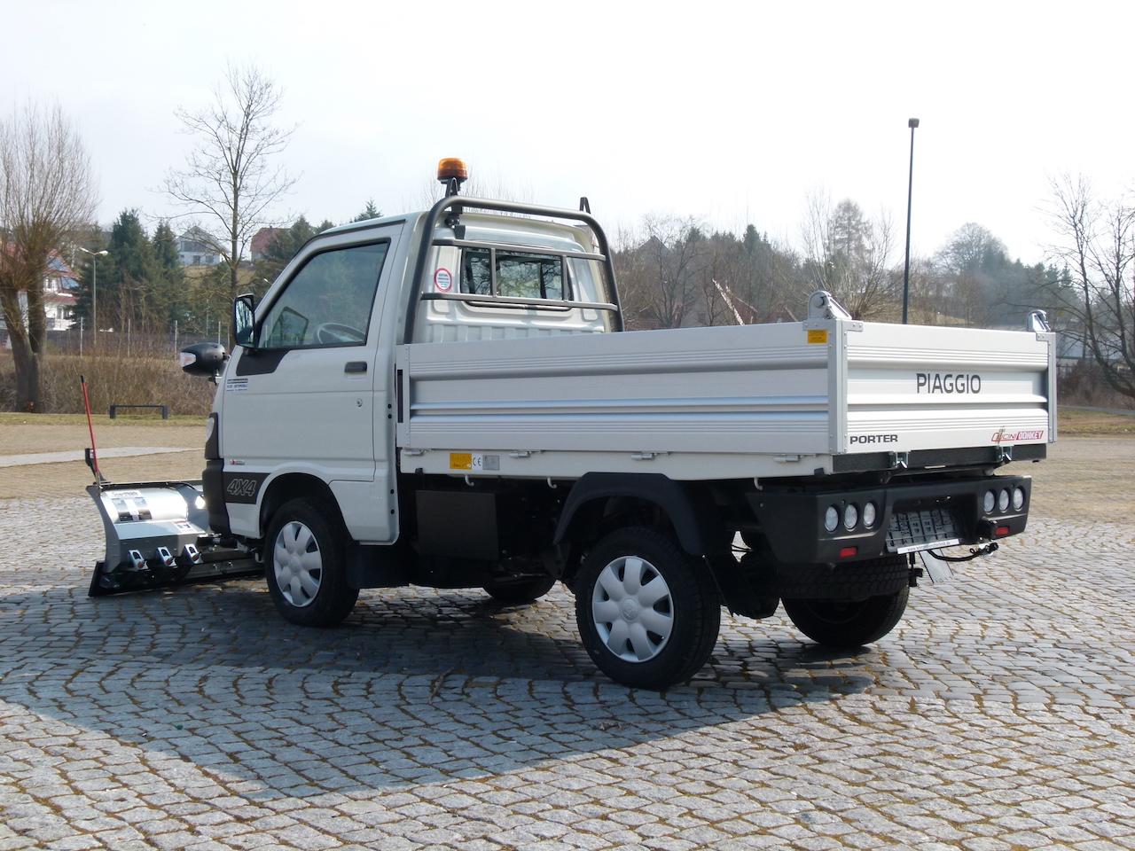 Winterdienstfahrzeuge_Piaggio_Porter_4x4_SnowStriker_Basic_Modell_2018_Hesse_Winterdiensttechnik11