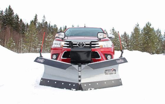 snowstriker_hilux3